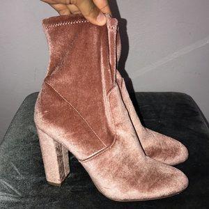 Shoes - Steve Madden Brisk Ankle bootie